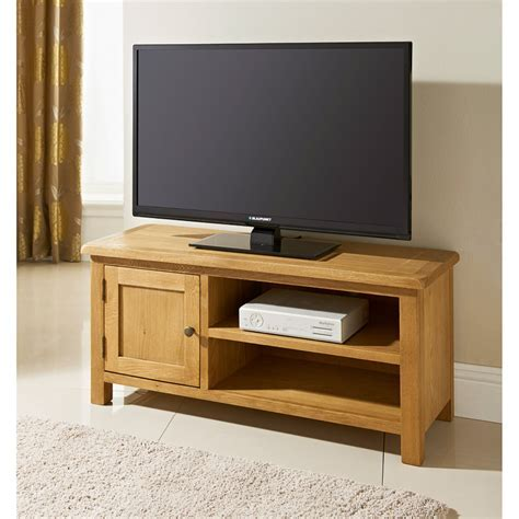 B&M Wiltshire Wide TV Table   319209   B&M