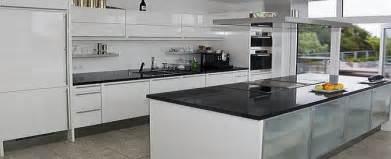 steinwand wohnzimmer wei 2 kuche in weis kreative deko ideen und innenarchitektur