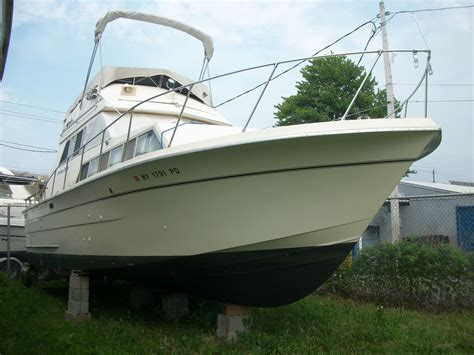 Carver Boats by 1979 Carver 33 Voyager Power Boat For Sale Www