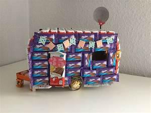 Geschenk Für Freund Zu Weihnachten : wohnwagen aus milka und kinderschokolade f r naschs chtige camper zum geburtstag geschenke ~ Frokenaadalensverden.com Haus und Dekorationen