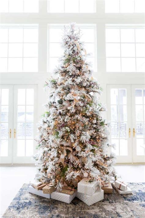 amazing christmas decorated trees   holiday