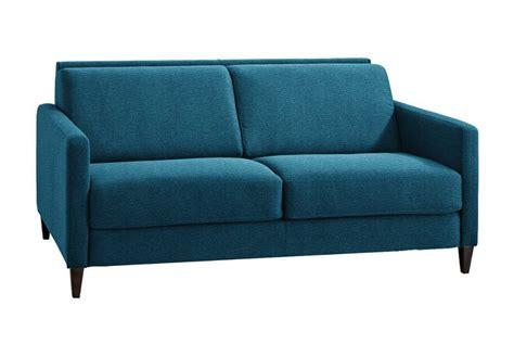 canape bleu canapé bleu les meilleurs modèles pour habiller votre