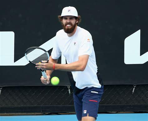 Peter staples/atp tour taylor fritz alcanzó la tercera ronda en el abierto de australia después de un duro partido a cinco sets contra su compatriota reilly opelka. Healthy Opelka Hopes for Strong Australian Open as Season Opener