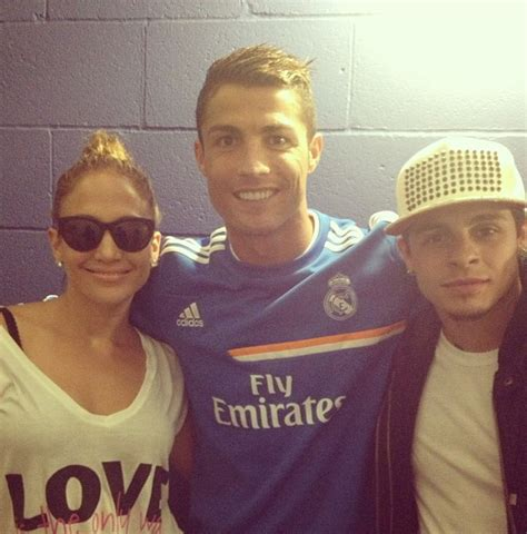 jennifer lopez visits  real madrid friends