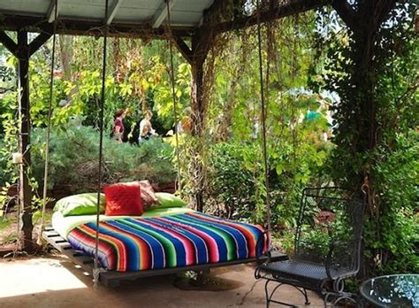 Outdoors Bed : 10 Amazing Outdoor Swing Bed Designs