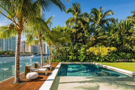 maison de luxe en bordure docean  miami beach