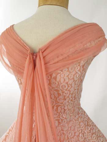 xxl vintage dresses   white lace coral