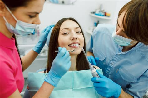 Assistente Poltrona Assistente Alla Poltrona Di Studio Odontoiatrico Aso Le