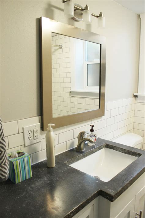 How To Decorate A Small Bathroom On A Budget by How To Decorate A Bathroom Without Clutter