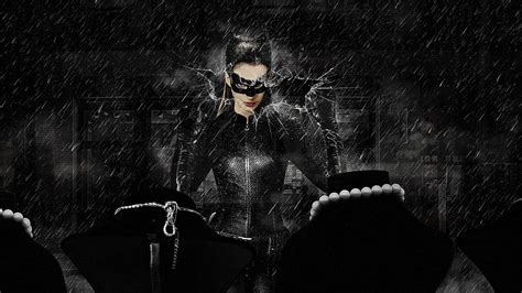 9 Sizzling Anne Hathaway Catwoman Wallpapers