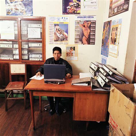 bureaux des fonctionnaires dans le monde