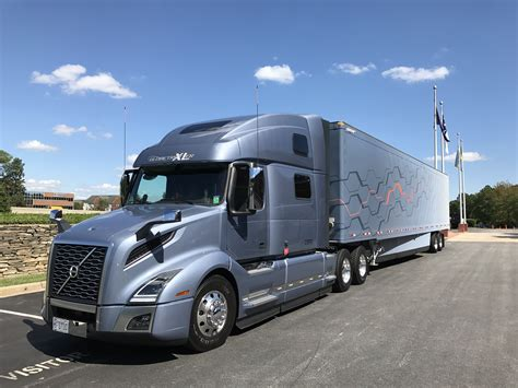 volvo new driving the new volvo vnl truck news