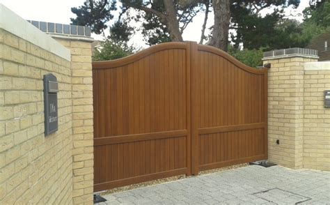 aluminium gate colours and wood effect finishes for our