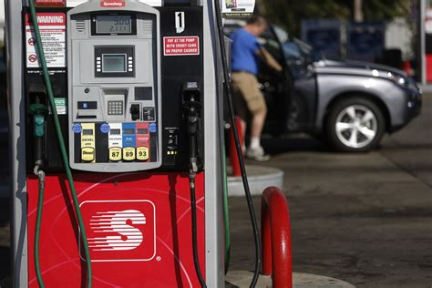 For Gas-station Operators, Chip Card Upgrade Is A Pain In