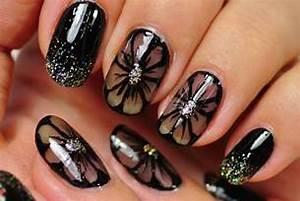 Nail art black design flowers