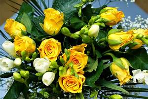 Yellow Flowers Bouquet http://refreshrose.blogspot.com/
