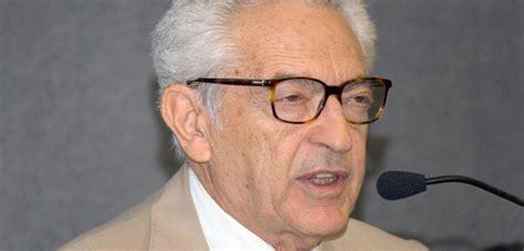 Um dos maiores críticos literários do Brasil, Alfredo Bosi ...
