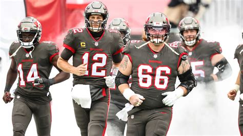 football team  buccaneers matchup preview  nfl wild