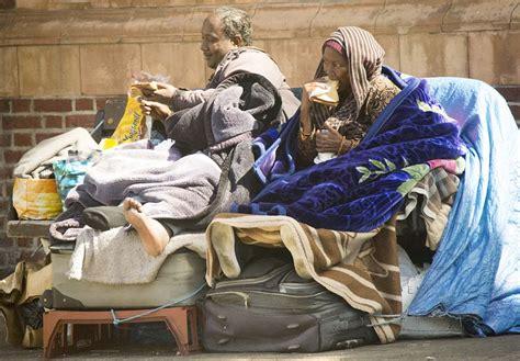 somali mother  son chose     london bench