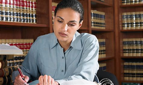 Female lawyers over 30 earning 25% less than the men ...