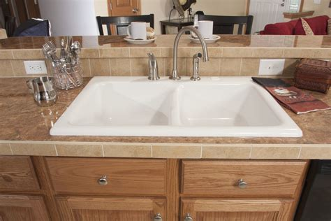 ceramic kitchen sinks pros and cons kitchen sink spotlight acrylic sink pros and cons 9386
