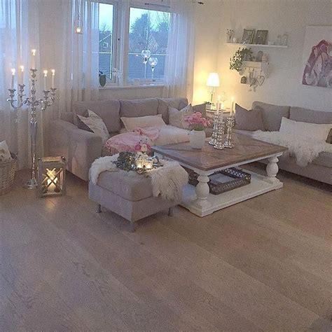 minimalist white winter room ideas