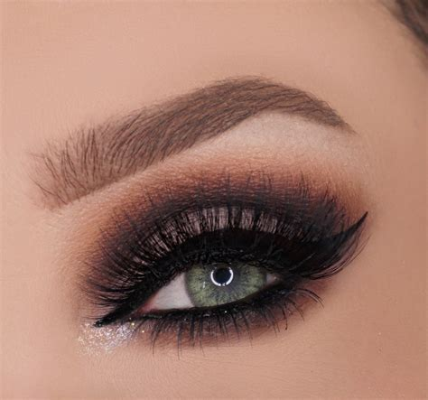 glamorous cut crease   create  cut crease eye