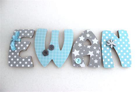 lettre pour chambre de bebe plaque de porte prénom lettres en bois thème blue