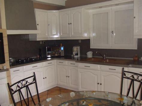 peinture carrelage cuisine plan de travail home staging dans une cuisine repeindre plutôt que racheter