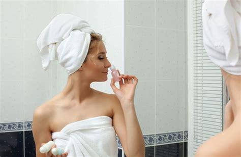 come fare gli oli essenziali in casa oli essenziali per i capelli come usarli cure naturali it