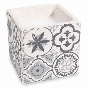 bougie motif carreau de ciment tribu maisons du monde With motif carreau de ciment