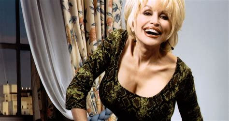 ♥ feel free to pull up a chair and take off your pants while you're at it. 11 Life Lessons From Dolly Parton | TheRichest