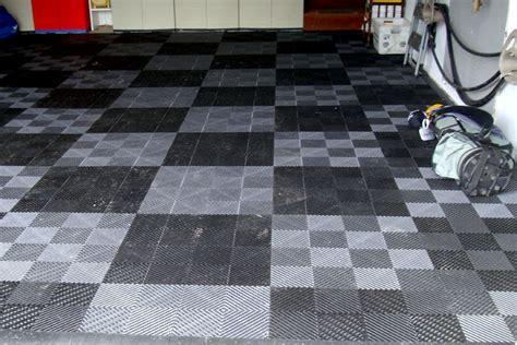 Vented Grid Loc Tiles   Garage Floor Tiles