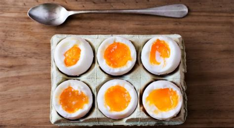 ei kochen mit eierkocher das perfekte fr 252 hst 252 cksei mit dem eierkocher chefkoch de