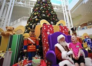 Christmas shopping season starts with hints of economic ...