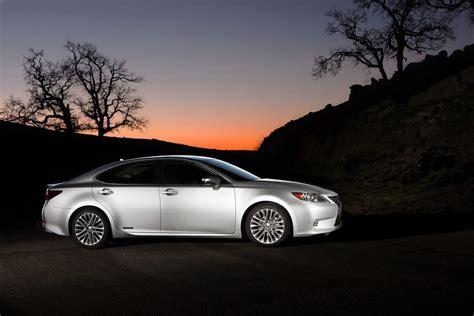 how petrol cars work 2012 lexus es electronic toll collection lexus unveils sleek 2013 es 350 and es 300h hybrid sedans at the new york auto show pics