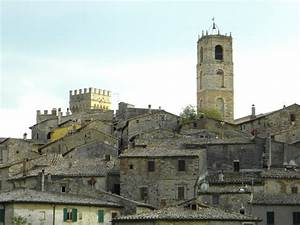 How to relax in Tuscany: San Casciano dei Bagni