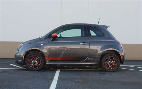 Electric Fiat by Six Reasons Why The Fiat 500e Electric Car Beats The Abarth