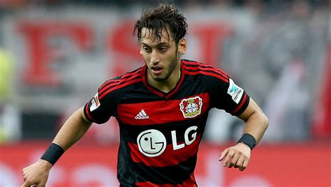 Arsenal Enter Tussle to Sign 'New Mesut Ozil' Hakan ...