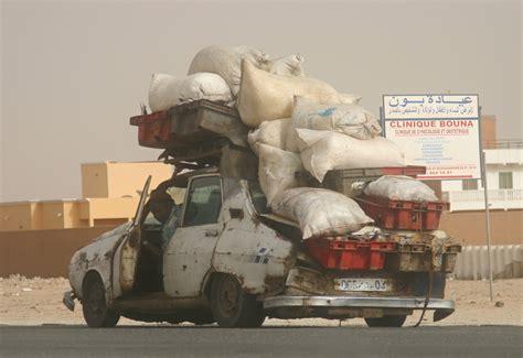 File:Renault 12 in Nouakchott.jpg - Wikimedia Commons