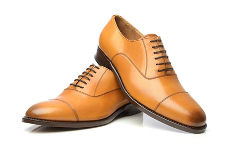mens light brown oxfords oxford shoes guide how to wear oxfords how to buy