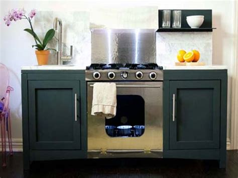 5 Amazing Play Kitchens That You Can Build