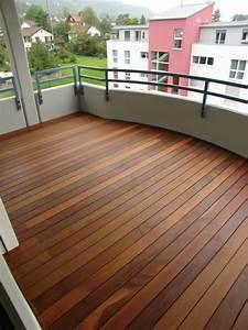 Balkon Fliesen Holz : bodenbelag f r balkon 20 tolle beispiele ~ Buech-reservation.com Haus und Dekorationen