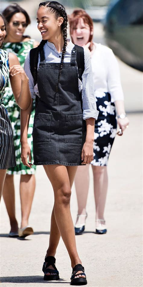 Obama Swear In A Look Ath by Take A Look At Malia Obama S Style Evolution