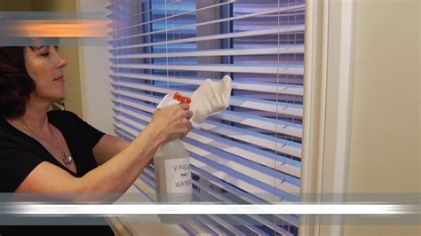 how to clean window blinds 3 ways to clean window blinds home hacks