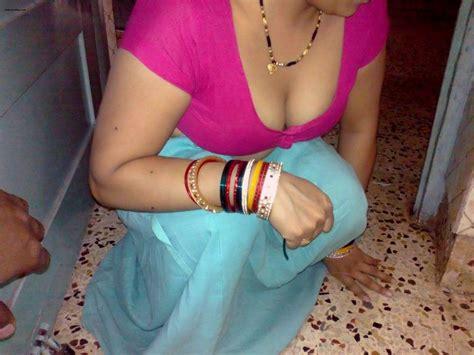 saree blouse wali bhabhi hiking petticoat sex pic