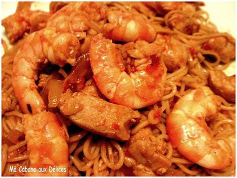 comment cuisiner des nouilles chinoises nouilles chinoises crevettes et poulet recettes faciles