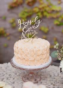 small wedding cakes 25 best ideas about small wedding cakes on gold small wedding cakes wedding