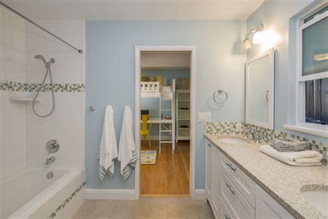 4 Tips For Maximizing A Jack And Jill Bathroom