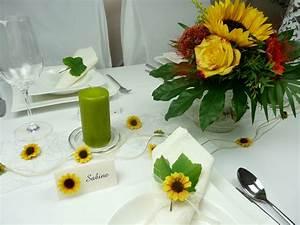 Tischdeko Mit Sonnenblumen : tischgirlanden girlande mit sonnenblumen tischdeko online ~ Lizthompson.info Haus und Dekorationen